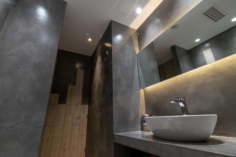 bathroomEuphoriaCenter01